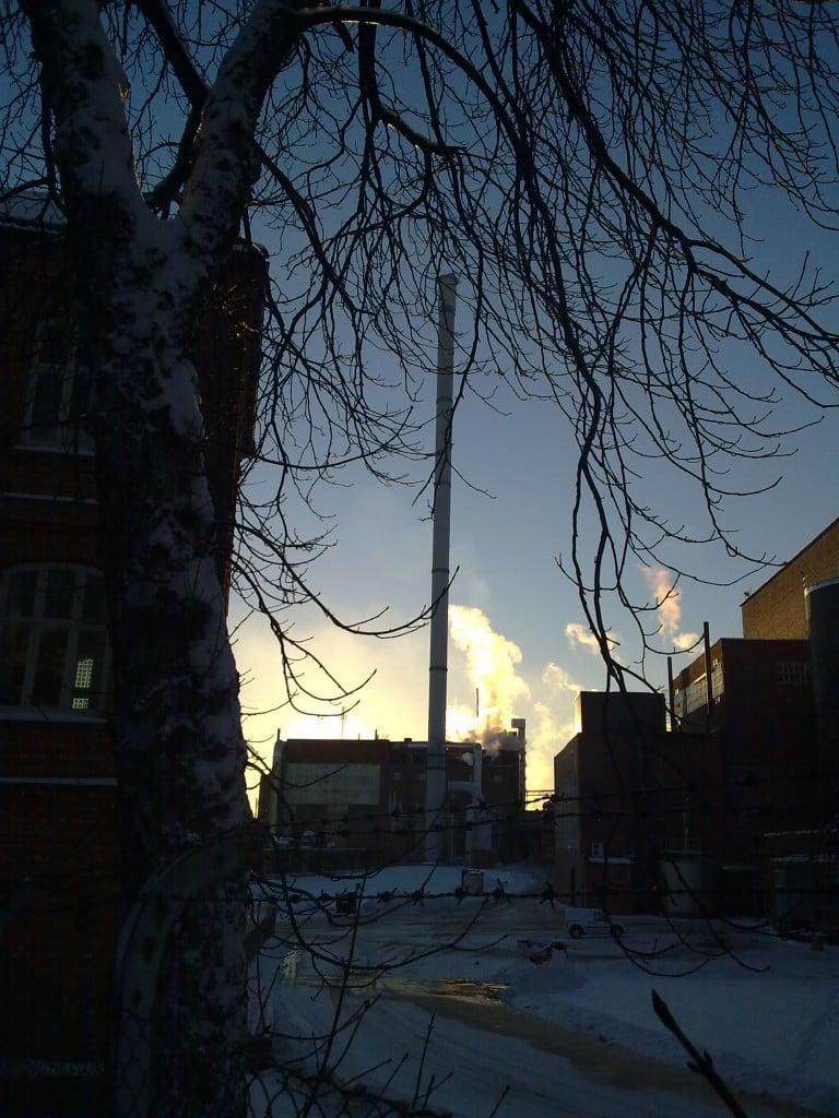 Borregaard - fabrikken sett fra gamle administrasjonsbygning